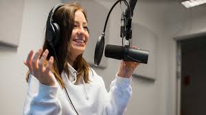 How to become a voice actor – Our professional tips